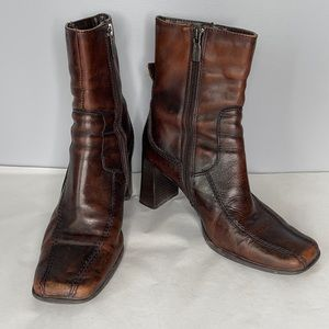 """Vintage Y2K Spring distress look brown faux leather square toe 3"""" heel boots 36"""